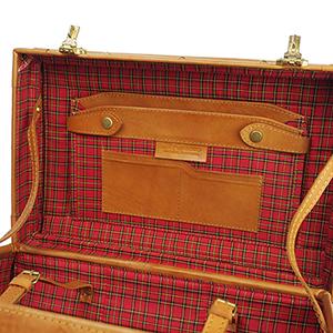 牛革トランク 収納ポケット